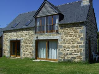 Koad Arzhur:  Old farmhouse of the 18th Century, - Ploubezre vacation rentals
