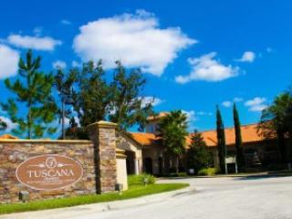 Tuscana Entrance - Luxurious condo close to Disney - Davenport - rentals