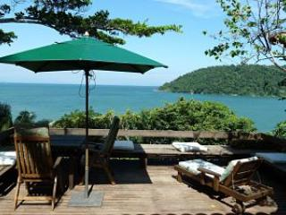 The deck and the view - Unique house with breathtaking view on the sea! - Paraty - rentals