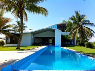 DISTINCTIVE, STYLISH CABARETE BEACH FRONT VILLA - Woodston vacation rentals