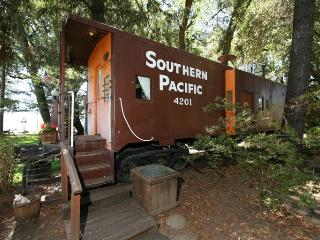 Sleep in a caboose on Clear Lake - Nice vacation rentals