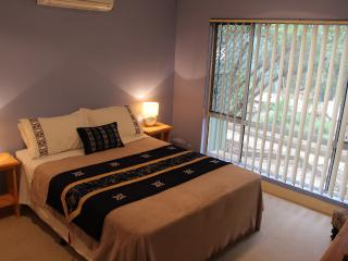 Camel Cottage Alice Springs 1 or 2 bed apartment. - Alice Springs vacation rentals