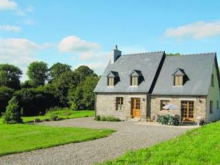 Le Clos - delightful gite sleeping 6 + baby - Les Cresnays vacation rentals