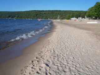 Best Kept Secret on Georgian Bay********Beautiful Thunder Beach*********1 1/2 hr. from Toronto - Midland vacation rentals