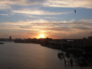 Waterfront 2 BR 2 BA condo Close to beach Sleeps 8 - Clearwater vacation rentals