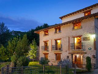 Casa Rural Ecológica Villa Liquidámbar, La Rioja - Woodston vacation rentals
