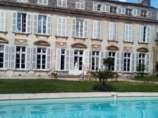 Chambres D'hotes le Saulnier: Josephine - Cognac vacation rentals