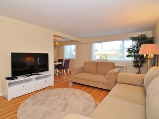 Spacious and Bright Westside 1 Bedroom Suite Close to UBC and Jericho Beach - Vancouver Coast vacation rentals