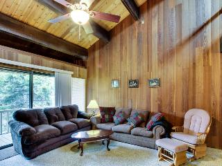 Rustic Kingswood condo w/ pool & tennis, close to beach! - Kings Beach vacation rentals