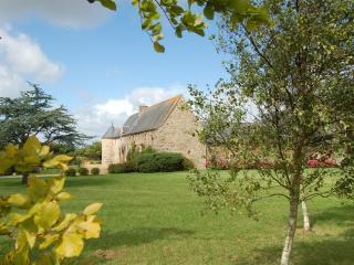 Two gites in a renovated 16th century Manor House in french Brittany - Plemy vacation rentals