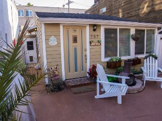 Luv Surf Beautiful Bungalow steps from the Beach! - Pacific Beach vacation rentals