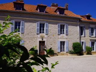 Comfortable Bed and Breakfast with Internet Access and Central Heating - Sainte-Hermine vacation rentals