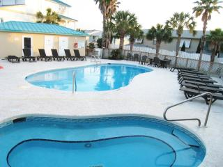 Lg Modern Home, Small Complex-Pool, Beach sleep 12 - Panama City Beach vacation rentals