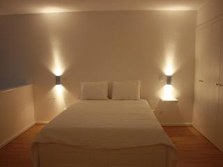 MFLOFT |1st line DOURO RIVER | |MAX 4 PEOPLE|POOL - TURQUISH BATH - SAUNA - Porto vacation rentals