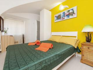 Navona-Pantheon Apartment in the Heart of  Rome - Rome vacation rentals
