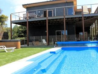 large solar heated pool and spa - Moonah on Forbes - Rye - rentals