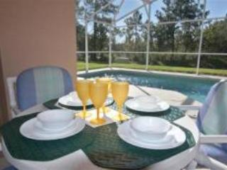 Overlooks lake, gated comm, wheelchair accessible - Image 1 - Davenport - rentals