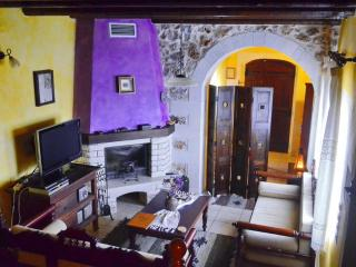 Samonas - No5 Malotira / One bedroom villa. - Chania vacation rentals