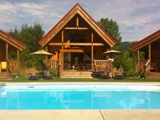Icicle Camp 3 Cabins, Pool, Hot Tub, Wi-Fi, Views - Leavenworth vacation rentals