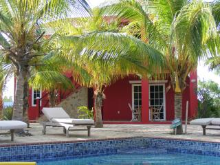 Luxury rental apartment on small gated resort. - Kralendijk vacation rentals