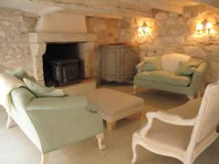 1st floor sitting room - Stay in a13th century medieval village in SW France - Lauzerte - rentals