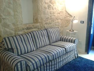 Giumbabulla Luxury House Newport - Ragusa vacation rentals