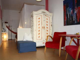 Romantic 1 bedroom Condo in Cologne with Internet Access - Cologne vacation rentals