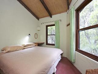Kanimbla View Clifftop Retreat - Blackheath vacation rentals