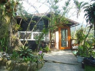 HOUSE OF ORCHIDS: COLONIAL HOUSE, SWIMMING POOL, FOREST - Rio de Janeiro vacation rentals
