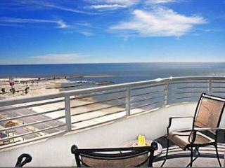Nice Condo with Internet Access and Balcony - Biloxi vacation rentals