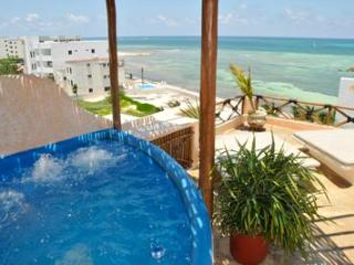 Mayan Tides Condo in Puerto Morelos,6 guests! - Puerto Morelos vacation rentals