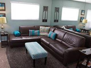 Luv Surf Beautiful Condo Steps to Bay (Upper Unit) - Pacific Beach vacation rentals