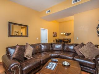 Modern Condo Free WiFi Keyless Door Gated Pool Spa - Las Vegas vacation rentals