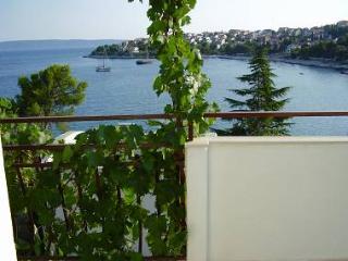 8098 A2(4+1) - Okrug Gornji - Island Ciovo vacation rentals