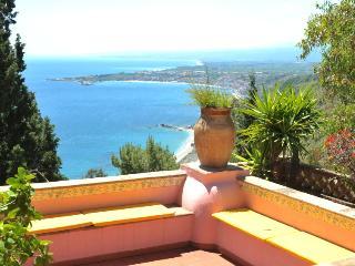 Smeraldo - Graniti vacation rentals