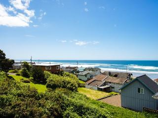 Ocean view home w/ a private hot tub & two decks, 200 feet from beach access! - Lincoln City vacation rentals