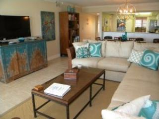 Compass Point #181 All This & A Private Beachfront Cabana! - Image 1 - Sanibel Island - rentals