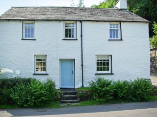 TOWN END FARMHOUSE, fantastic location, woodburner, character feature, near Newby Bridge, Ref. 18252 - Newby Bridge vacation rentals