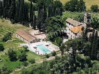 Charming House with Deck and Internet Access - Monte San Savino vacation rentals