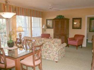 Living-Dining Area - 5-Star Resort - Hilton Head - rentals