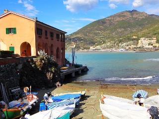 Right on the beach! Exceptional villa 14 people - Sestri Levante vacation rentals