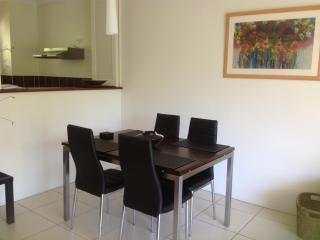 Best Value Apartment in Tropical Palm Cove near th - Palm Cove vacation rentals