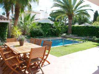 Perfect vacation villa just outside Sitges - Sant Pere de Ribes vacation rentals