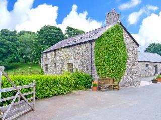 Y STABAL, woodburner, off road parking, enclosed garden, in Llandegla, Ref 18647 - Llandegla vacation rentals