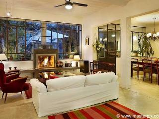 Luxury 4 bedrooms, 3,5 bath in Palermo -Thames - Buenos Aires vacation rentals