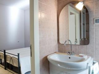 Bright 3 bedroom B&B in Morrovalle Scalo - Morrovalle Scalo vacation rentals