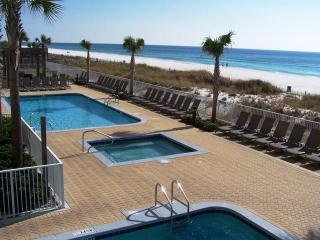 Vacation in Style! Beach service included - Panama City Beach vacation rentals