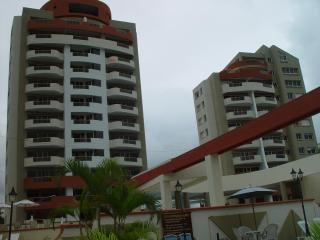 Comfortable apartment high floor. Ocean view. - Esmeraldas vacation rentals