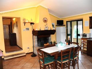 Appartamento a Bevagna per 5/6 persone - Bevagna vacation rentals
