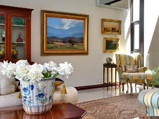 To the manor  ATLANTIC SEABOARD CAPE TOWN  LUXURY STAY - Cape Town vacation rentals